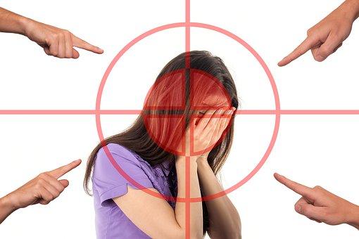 bullying-3096216__340