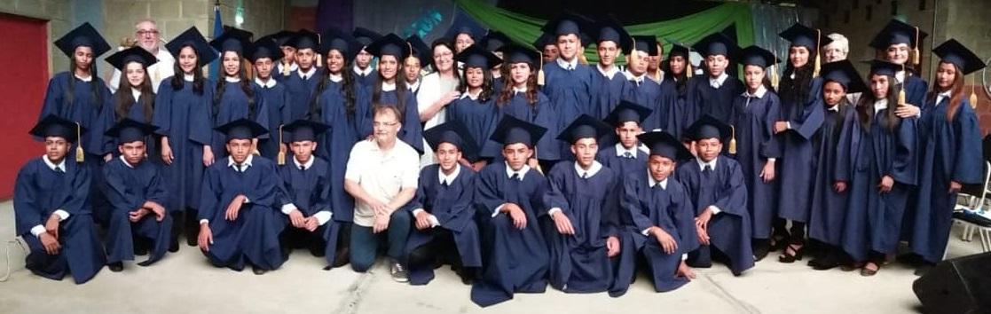 imagen de todos los graduados 2018