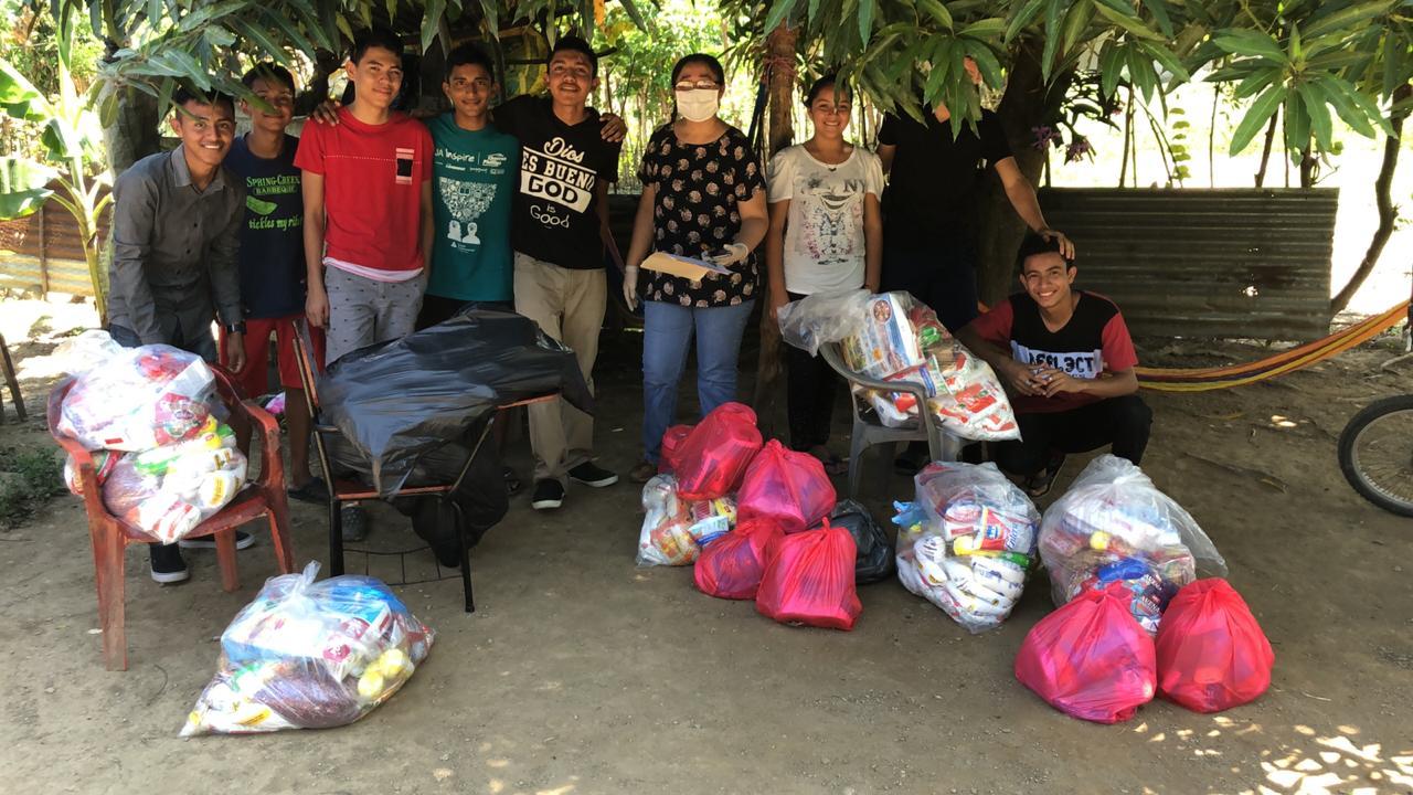 Solidaridad, Organización para el Reparto de Alimentos a las familias de los alumnos más necesitados en la emergencia creada por el Covid-19